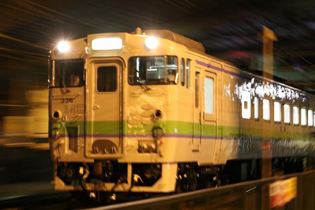 夜間撮影 列車 キハ40 サウ