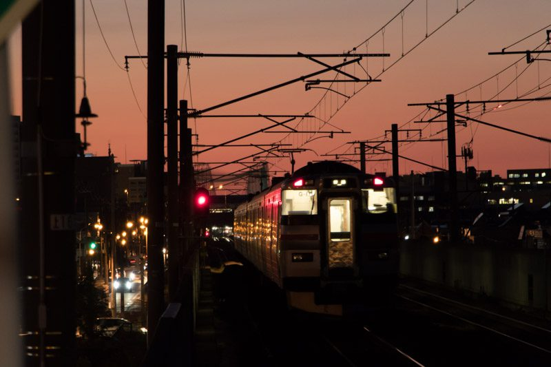 嘉永の時間 夕日と列車 休日電写