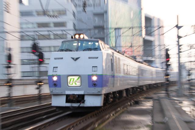 スーパー北斗4号から北斗6号までの朝の時間-735系A-102が学園都市線から函館本線へ