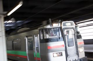 いつもと変わらない朝の札幌駅-F-5001+F-1009が抜けたのは予想外