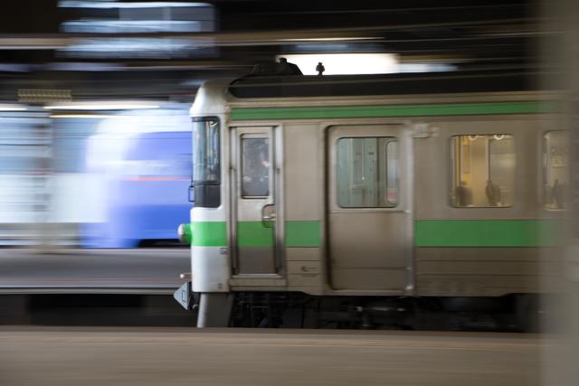 スーパー北斗と回送列車