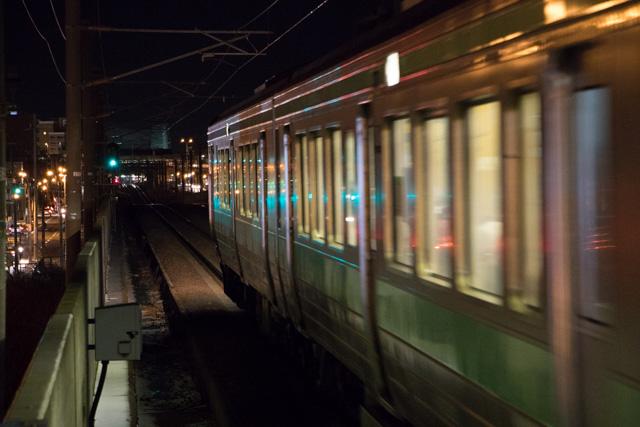 夜間撮影 スローシャッター 駅 電車撮影