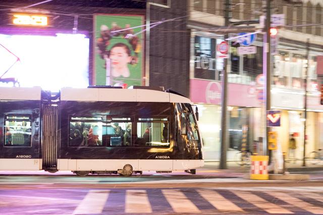 夜間撮影 スローシャッター イルミーネション 札幌市電 ポラリス