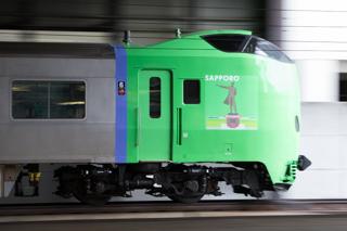 学園都市線を出ていた大谷ラピングのB-3103と札幌テーマの789系HE-102