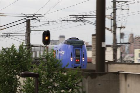 この時間にはないキハ283系の札幌運転所への回送列車-時間切れの朝の時間