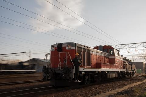 ラストランのニセコエクスプレスとマヤ34を札幌運転所でマヤ35を入れて見送る