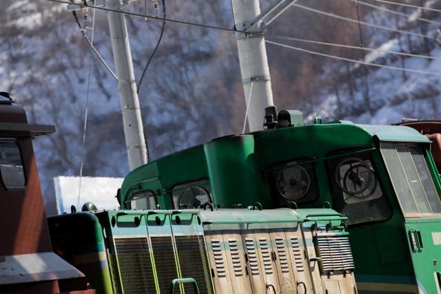 手稲駅から小樽へ向かい札幌駅へ-小樽築港でノロッコ号のラッセル車を